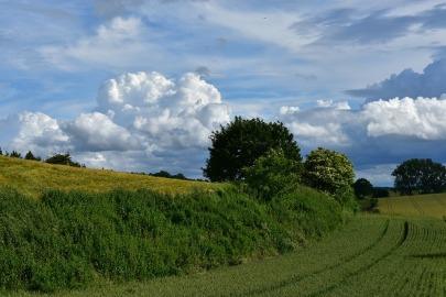 clouds-1460001_960_720
