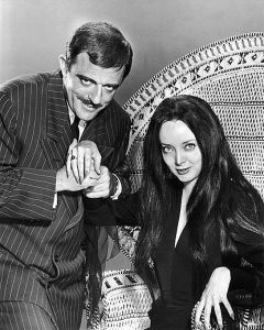 Carolyn_Jones_John_Astin_The_Addams_Family_1964