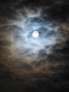 moon-330068_640