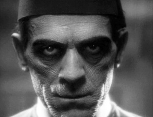 Boris_Karloff_The_Mummy2