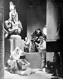 Freund-Karloff-The-Mummy-1932