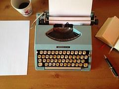 machine-writing-1035292__180