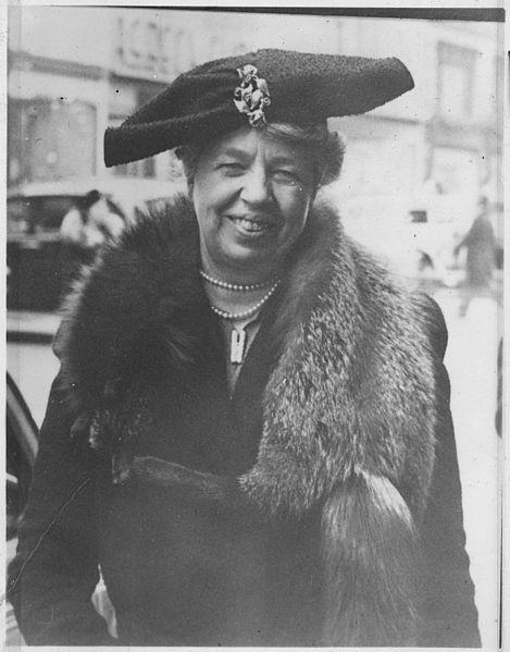 Eleanor_Roosevelt_in_New_York_City_-_NARA_-_195376