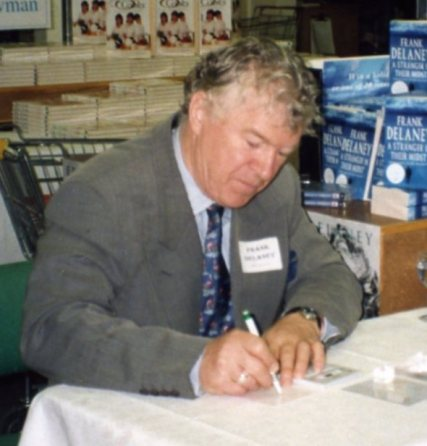 Frank_Delaney_at_book_signing