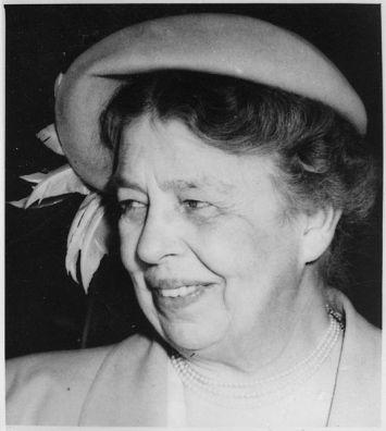 Eleanor_Roosevelt_in_Calgary,_Canada_-_NARA_-_196775