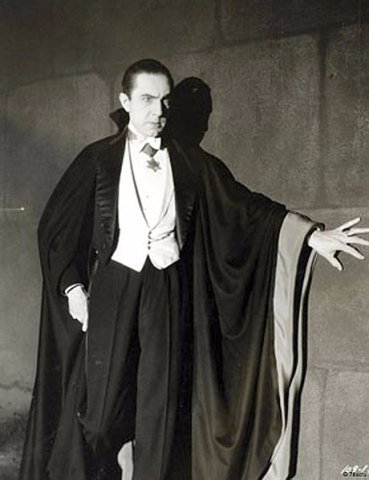 460px-Bela_Lugosi_as_Dracula,_anonymous_photograph_from_1931,_Universal_Studios